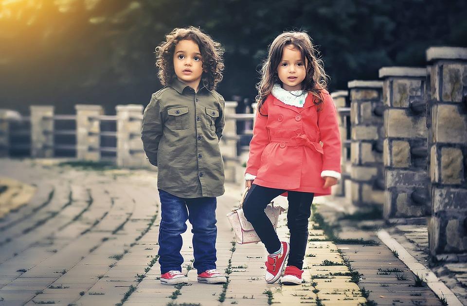 child-817368_960_720
